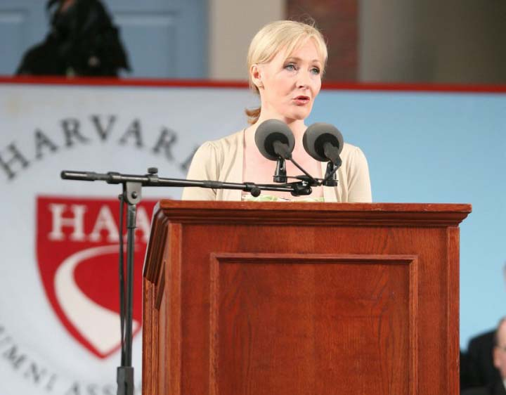 Речь Джоан Роулинг перед выпускниками Гарварда (J. K. Rowling speaks at Harvard commencement) и перевод наиболее интересных цитат